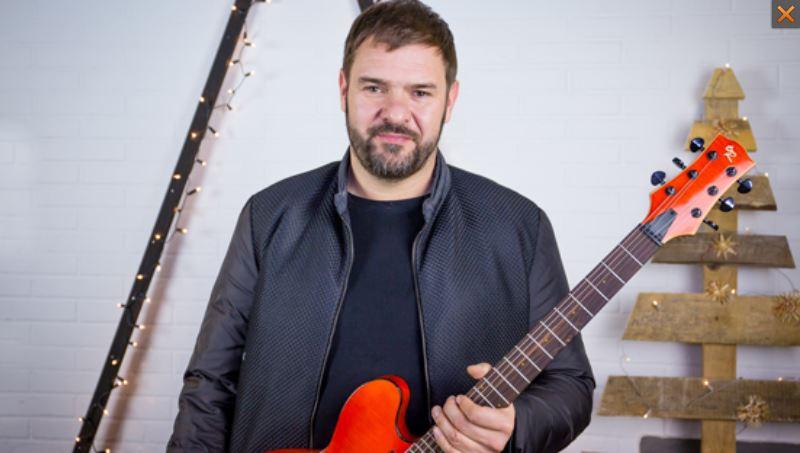 gitara_karolaka