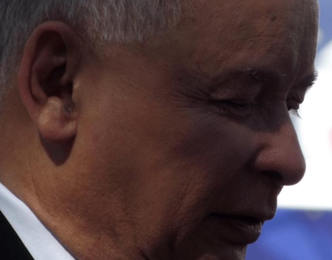 Kaczyński przez jedną decyzję stracił połowę elektoratu. To jego koniec?