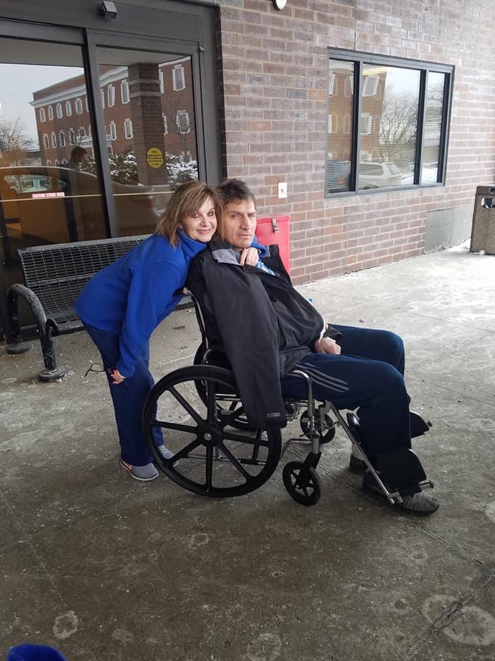 Gołota na wózku inwalidzkim
