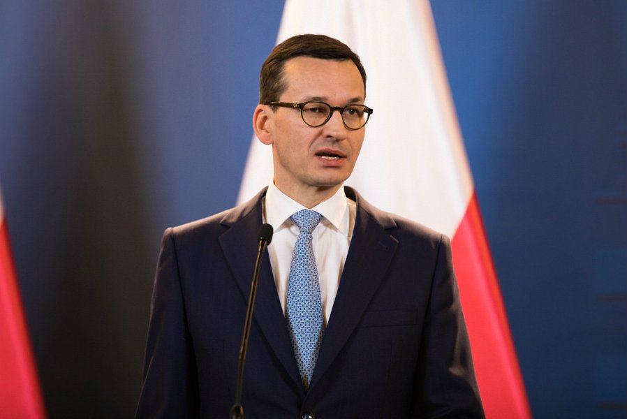 """Sąsiedzi premiera Morawieckiego ujawniają: """"On nas TRUJE!"""""""