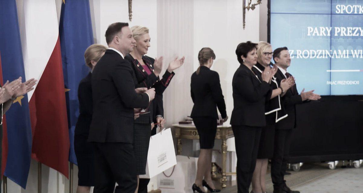 Polski wokalista poniżył prezydenta odbierając order
