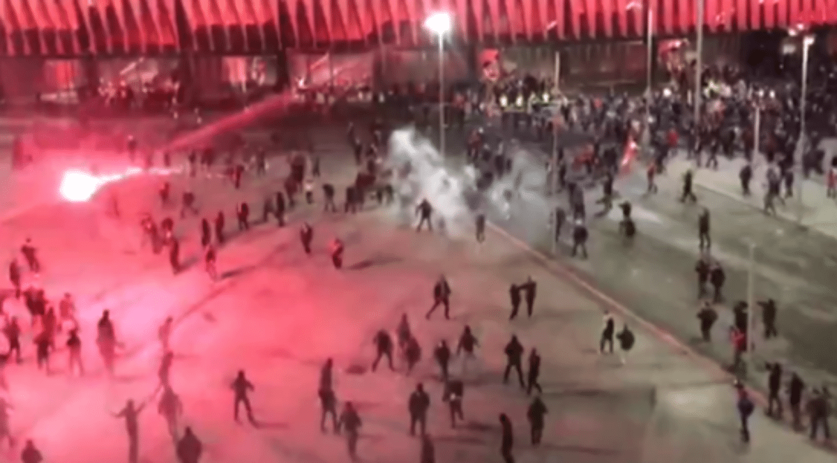 Setki Rosjan urządziły piekło w Europie. Są ranni i ofiary śmiertelne