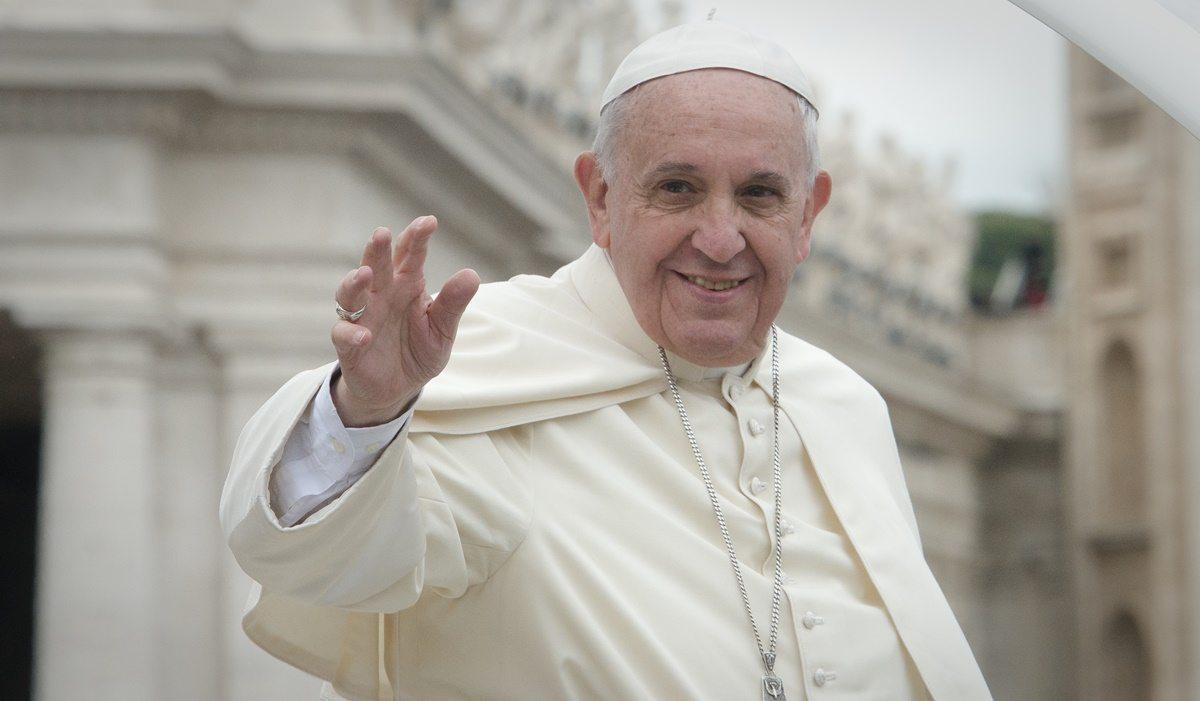 Korzystasz z Facebooka? Papież Franciszek ma dla Ciebie ważny apel