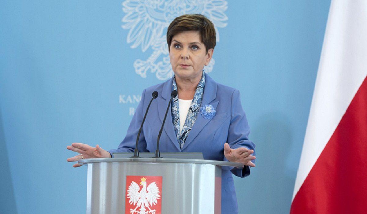 Beata Szydło przyznała premię... samej sobie! Kwota powala