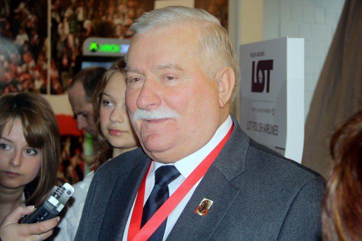 Między lewą a prawą nogą: Najśmieszniejsze cytaty Lecha Wałęsy