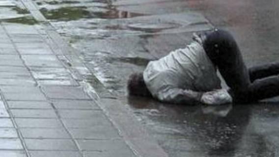 Polski polityk brutalnie pobity. Był pijany w sztok
