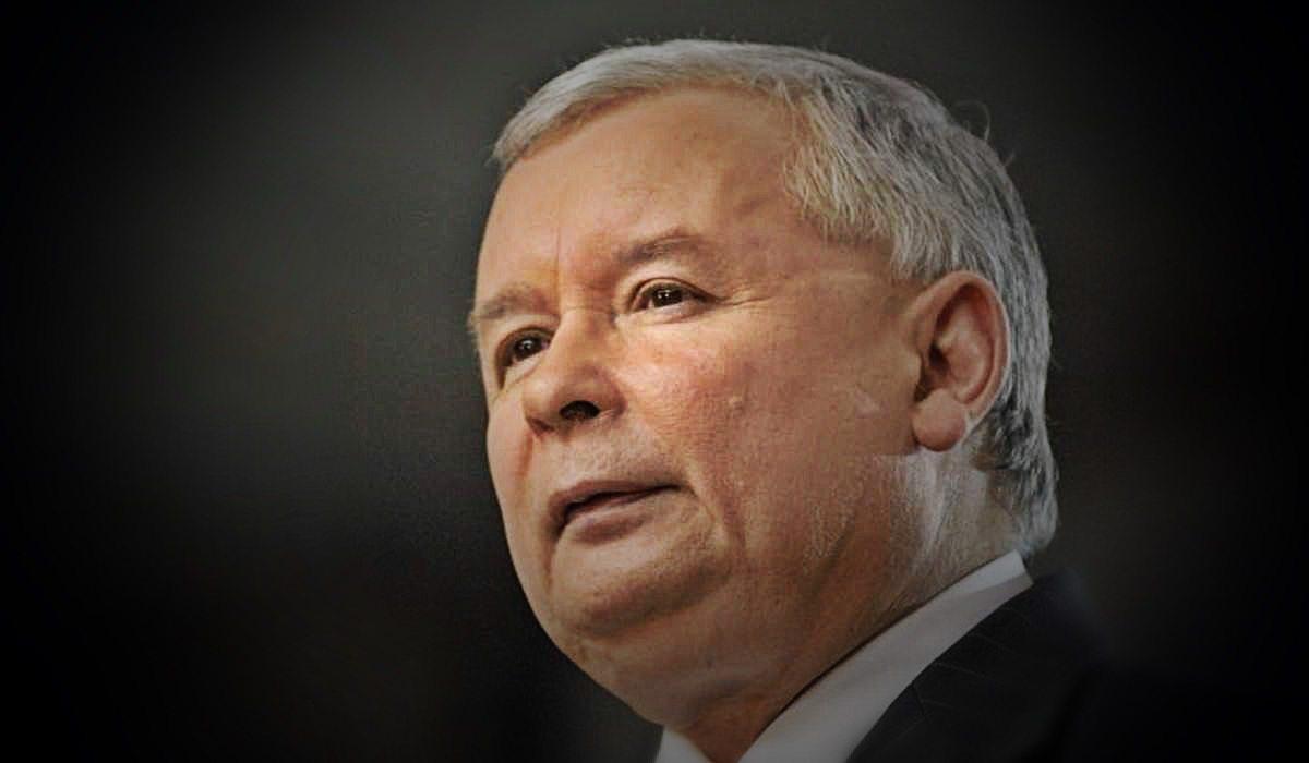 Kaczyński oddaje władzę? Prorządowe media nie mają wątpliwości