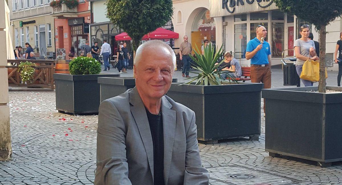 Niesiołowski: PiS-owcy tylko napychają się i bronią koryta jak niepodległości