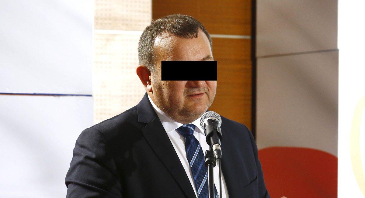 PiS upokarza Gawłowskiego. W areszcie zabraniają mu się myć i...