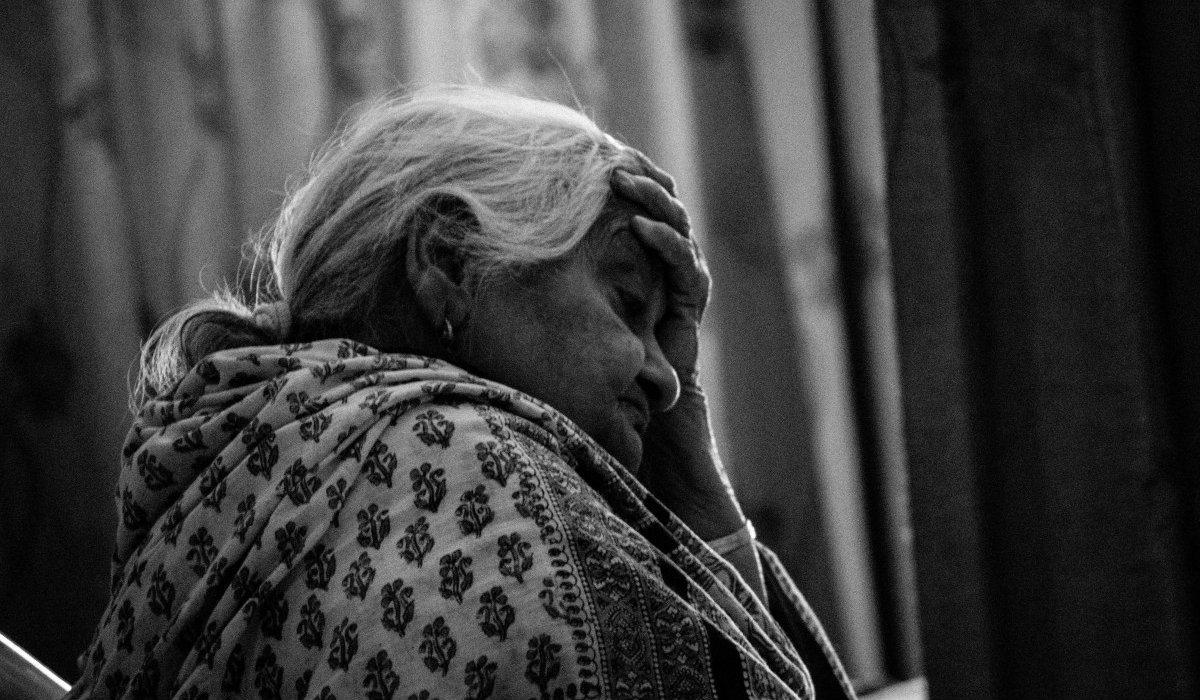 Wstyd! Polscy emeryci żyją w biedzie, a posłowie dają sobie astronomiczne odprawy