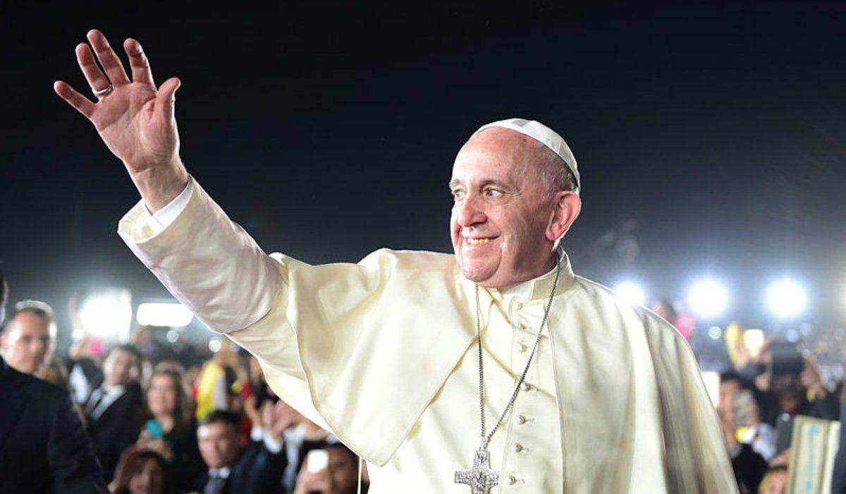 REWOLUCJA! Franciszek zniósł najważniejszy zakaz ws. małżeństw, teraz księża mają pozwolenie