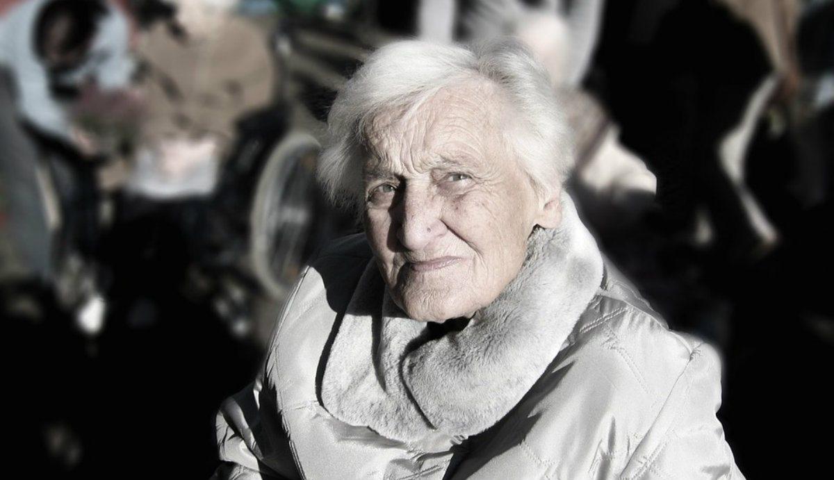PiS bierze seniorów na celownik! Ich życie będzie teraz uciążliwe