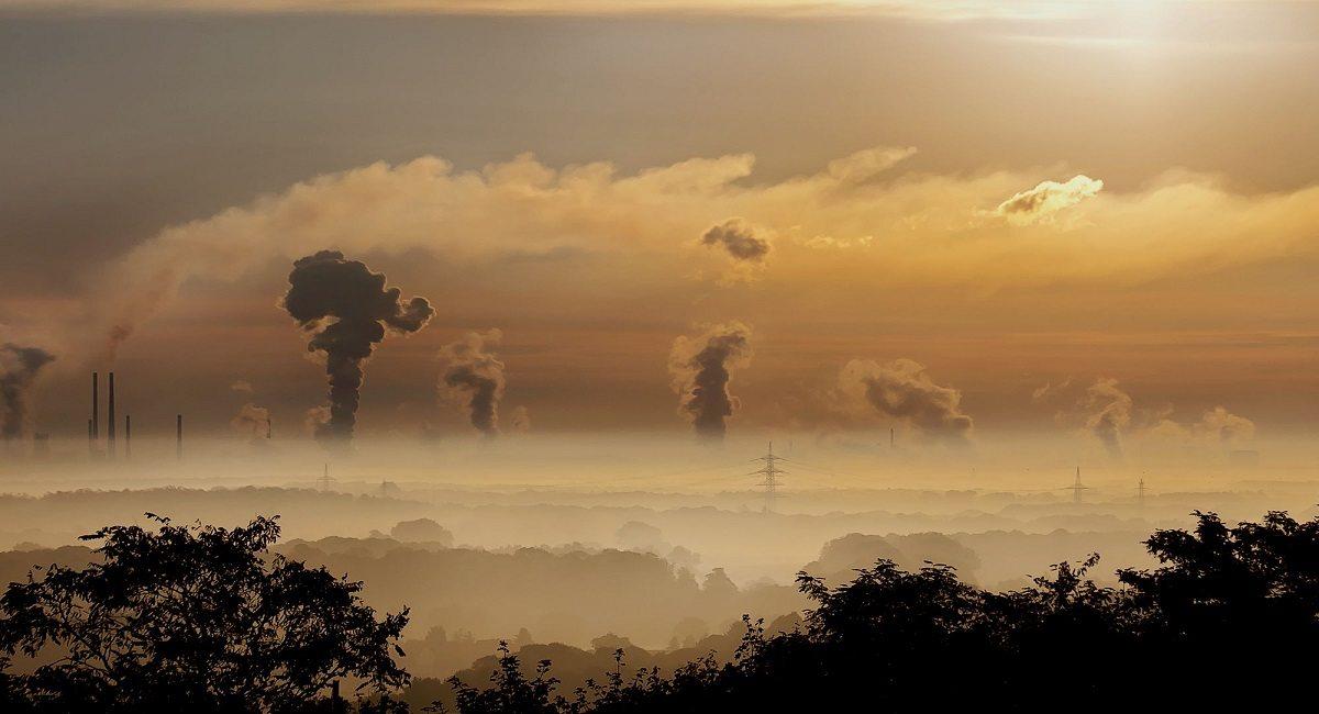 To NIE smog! Chemiczna chmura nad polskim miastem, nie otwierajcie okien