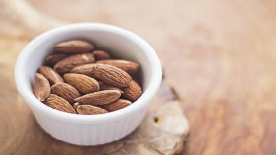 almonds-768699_1920(1)