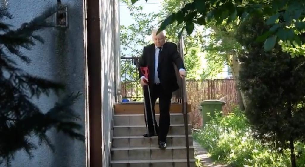 Zrobili zdjęcie Kaczyńskiemu w szpitalu. Co on tam robi?