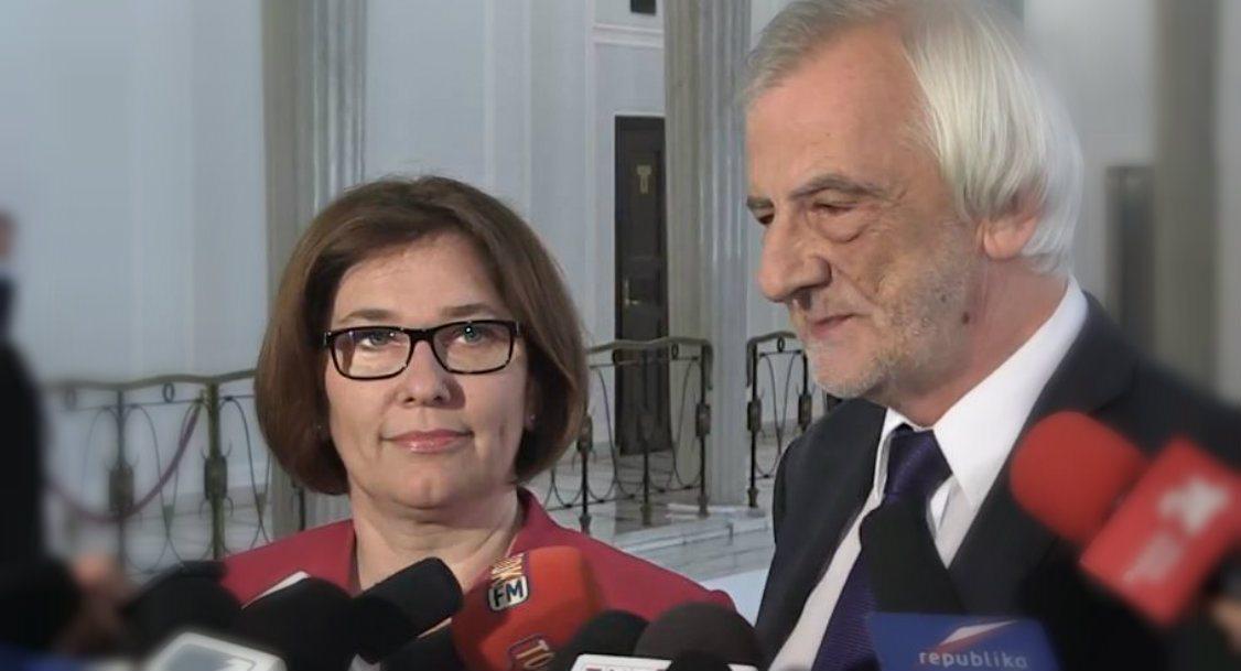 """Mazurek i Terlecki """"najszczęśliwszą parą w Sejmie"""". Nie bez powodu często widywani są razem"""