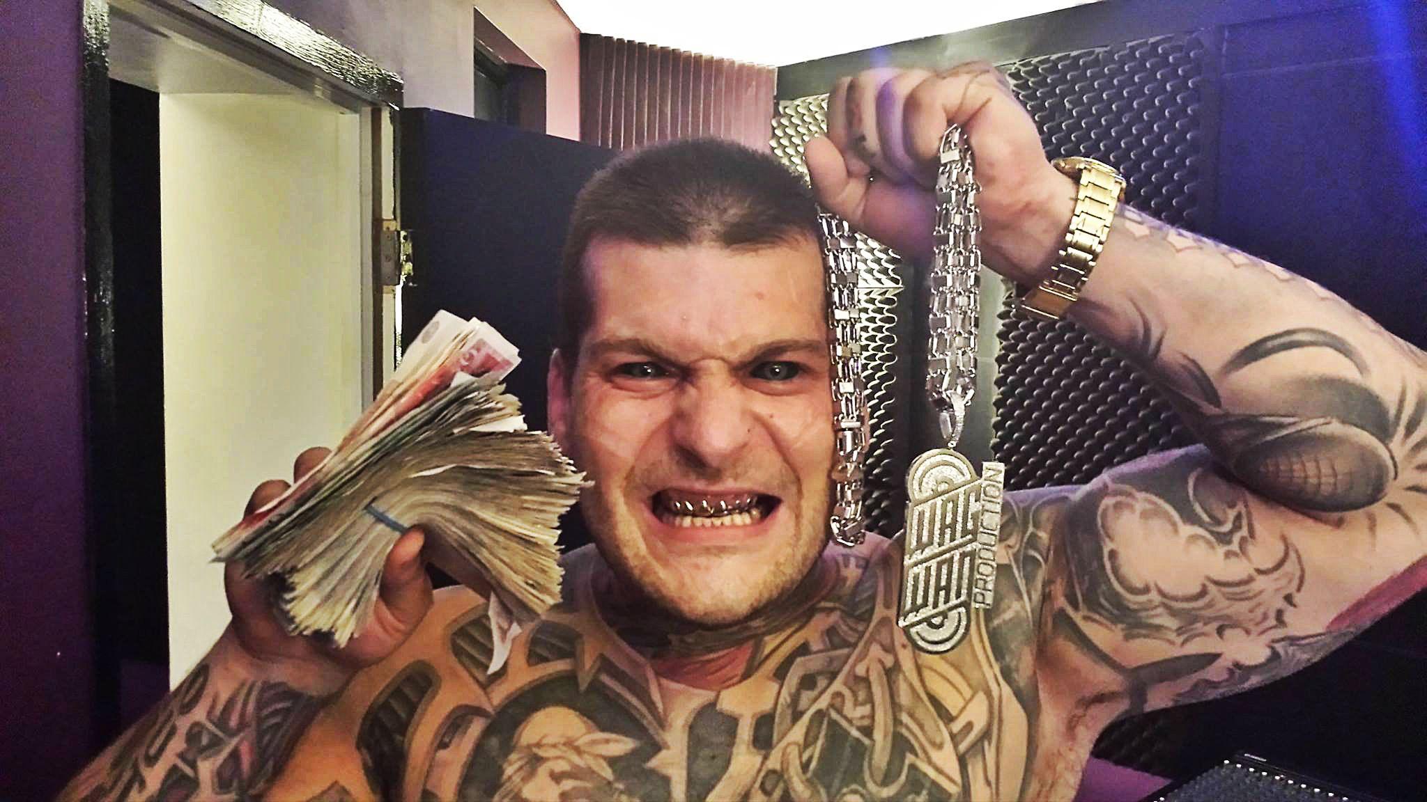 Nie muzyka, ani walki MMA. Popek zbija fortunę na nietypowym biznesie