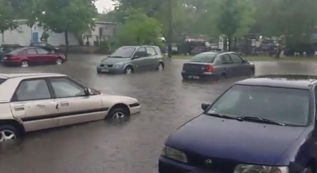 Zaczęło się! Burze w całej Polsce, te miasta będą zalane