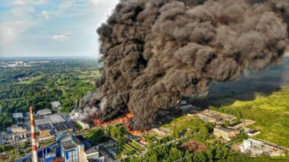 Gigantyczny pożar wymknął się spod kontroli. Nieoficjalne: WSZYSCY powinni opuścić miasto
