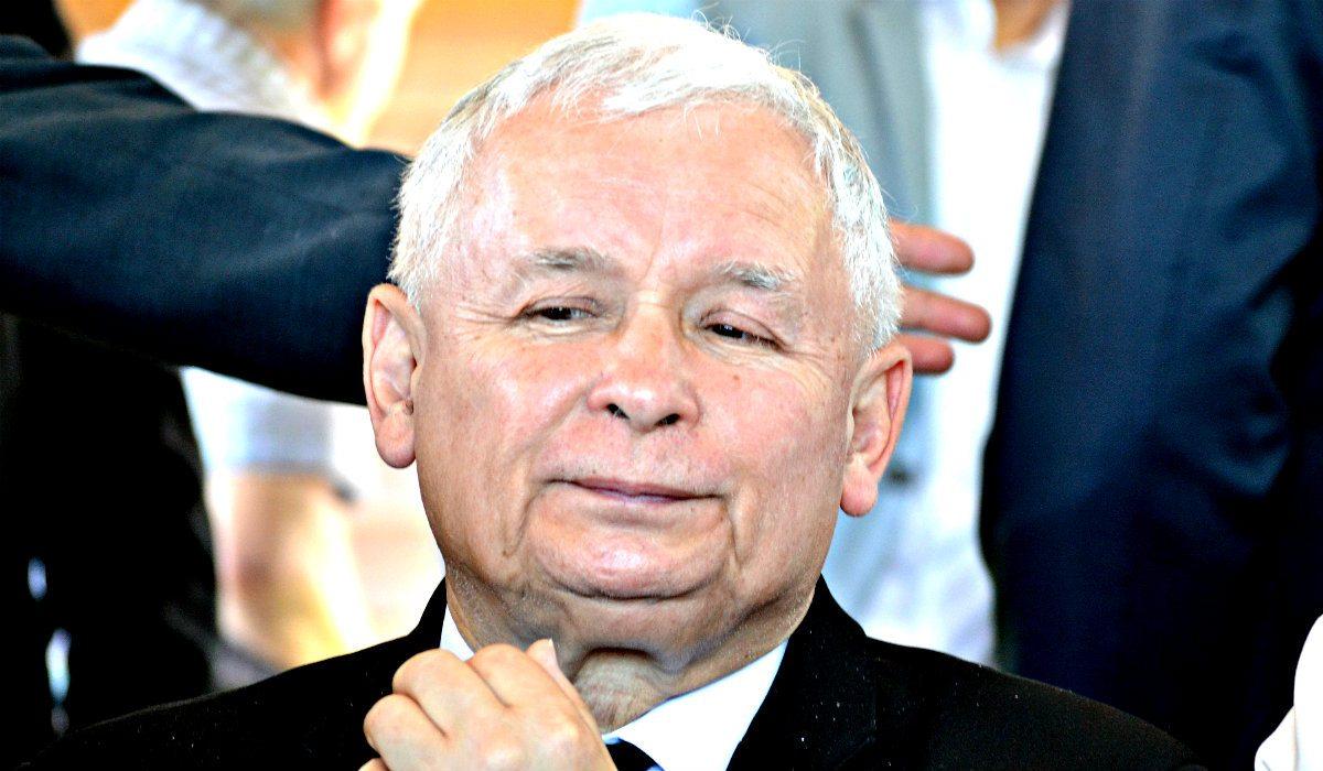 Ile Kaczyński czekał na operację kolana? Będziecie w szoku