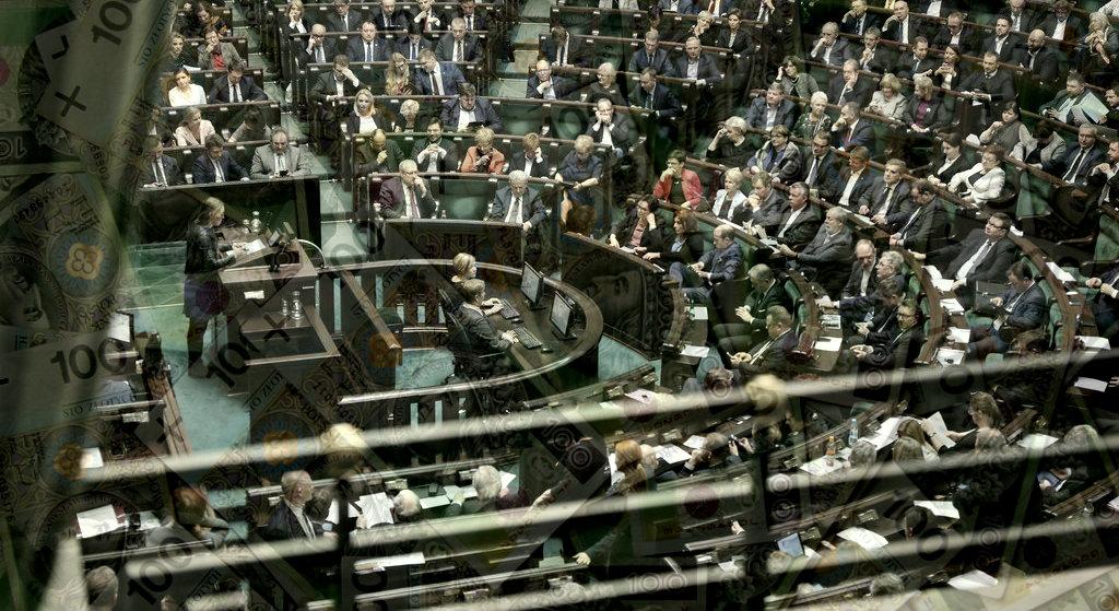 Nowy skandal wstrząsa PiS. Roztrwonili kolejne sumy