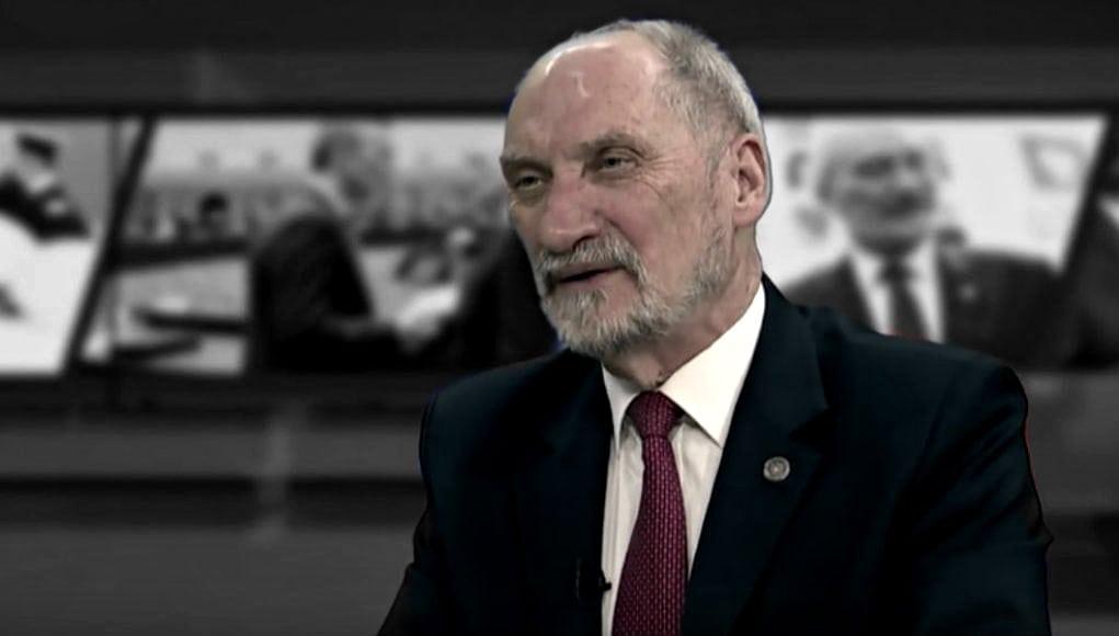 Macierewicz mści się na TVP i PiS! Nie wybaczą mu