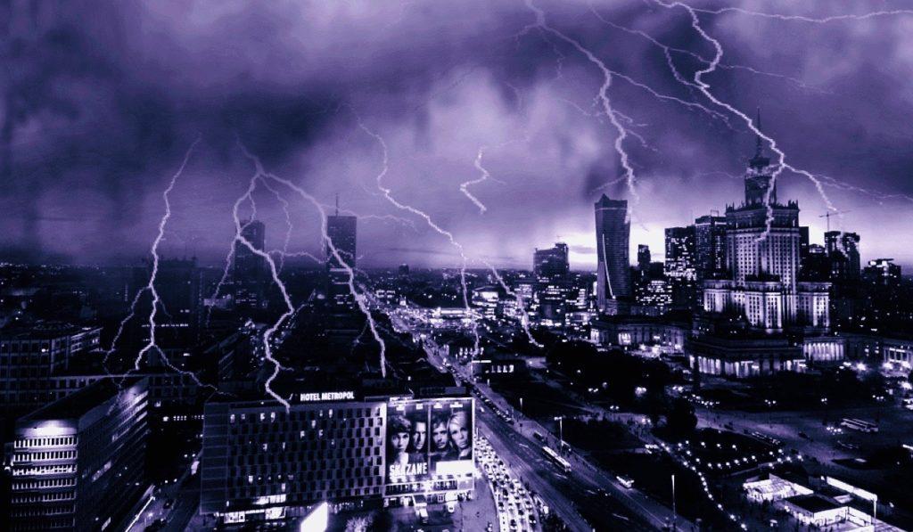 Wiatr będzie wiał 100km/h! Przerażające burze nadciągają nad Warszawę i inne metropolie