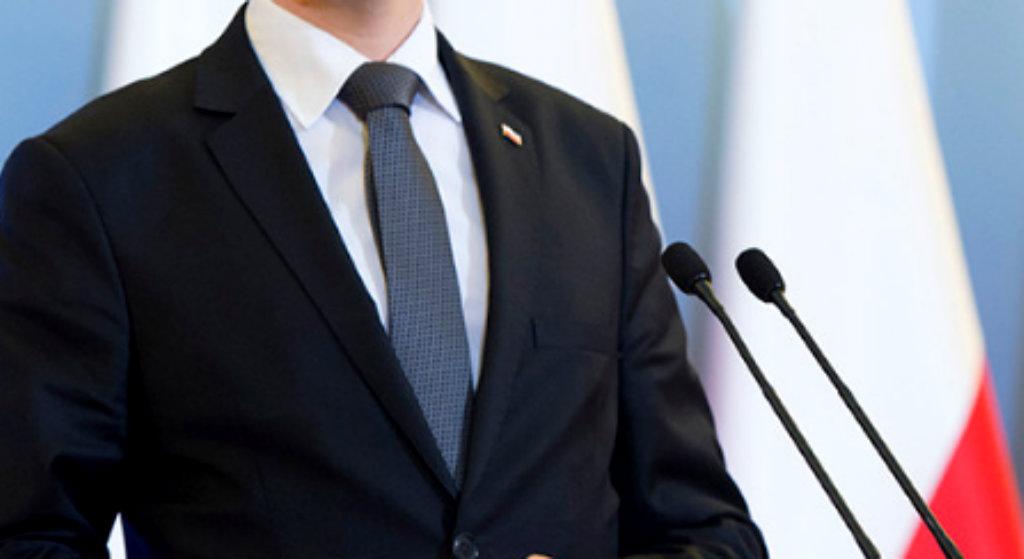 """Żona b. premiera Polski ujawnia. """"Jest uzależniony"""""""