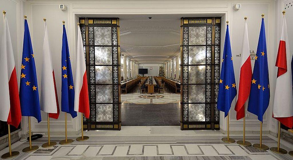 Ujawniono tajny plan PiS! Chcą się zaryglować w Sejmie