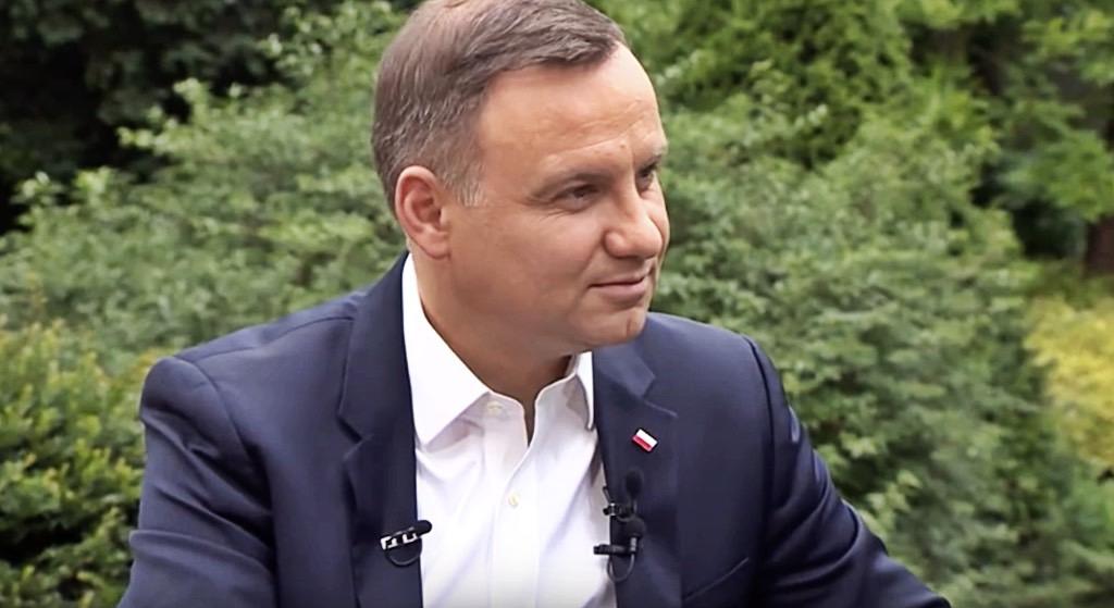 """Opozycja zwija się ze śmiechu. Ujawniono """"miłosny list"""" Andrzeja Dudy"""