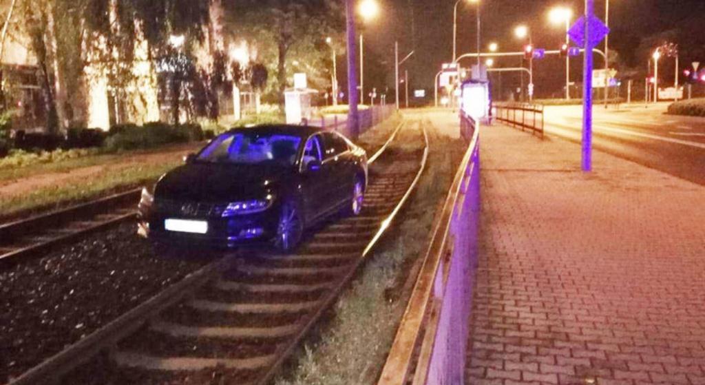 Prezes z PiS rozbijał się samochodem CAŁKIEM PIJANY. Złapano go