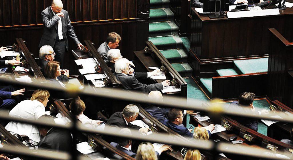Odyniec: O racji, którą w sprawie sądów PiS ma... i nie - czyli o pewnych absurdach