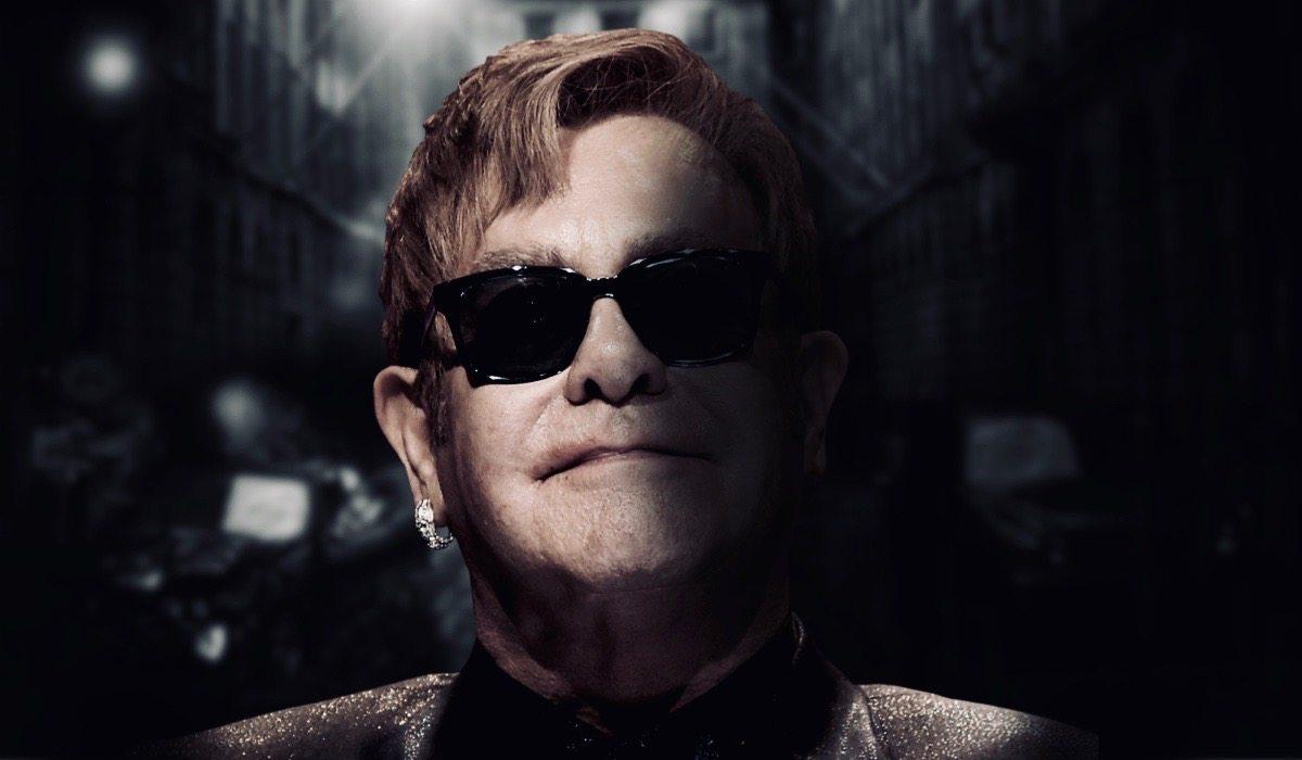 Z Eltonem Johnem jest źle! Nie może sam chodzić