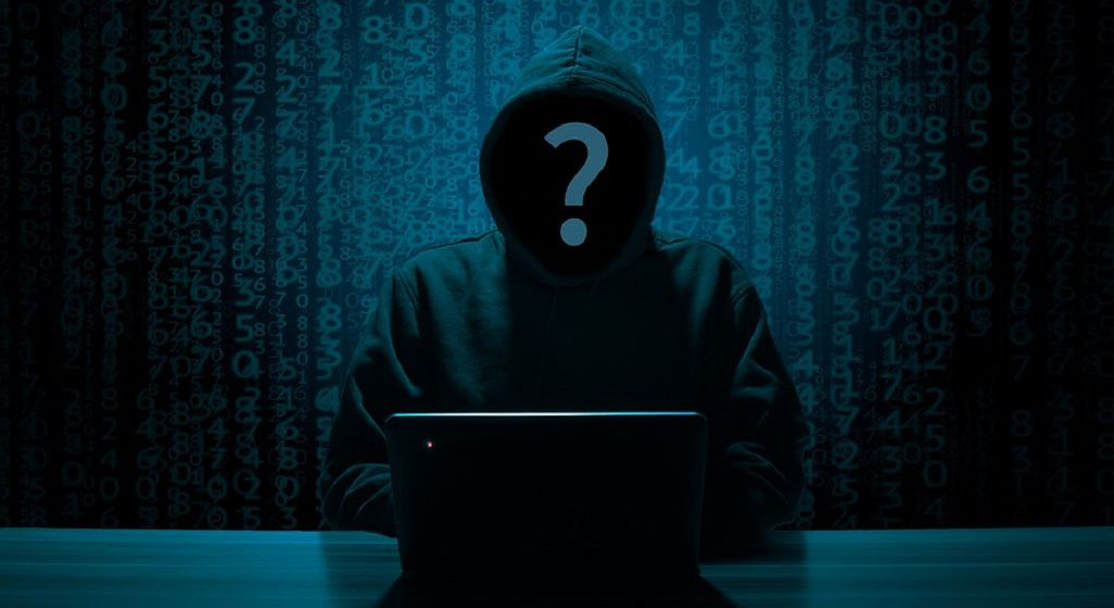 Polityk PiS chce kontrolować waszego Facebooka! Sprawa w ministerstwie