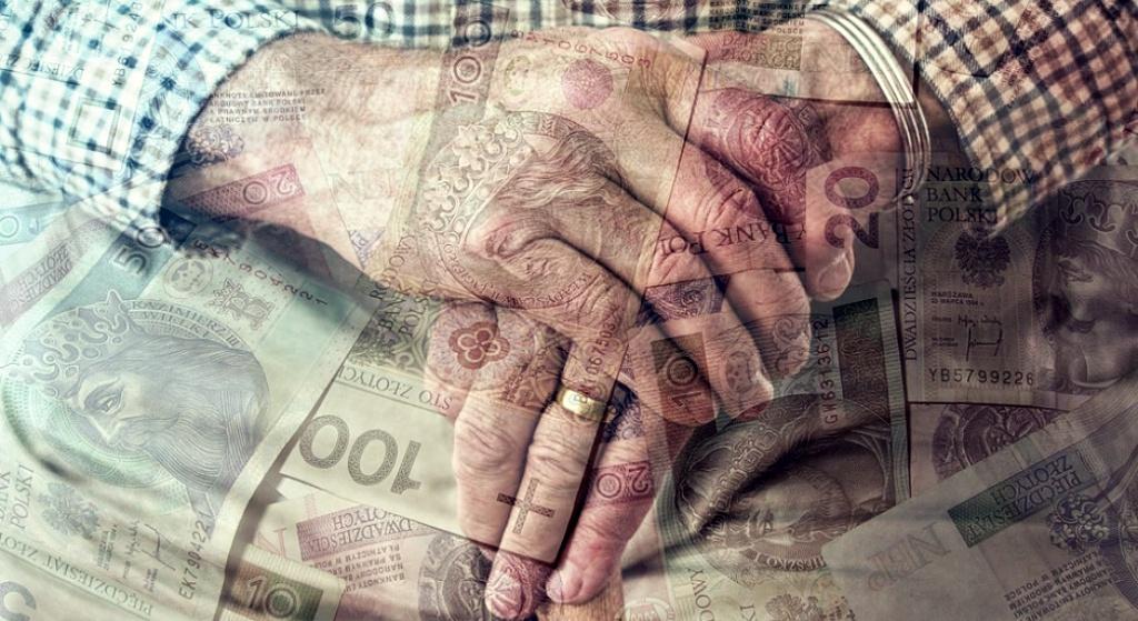 Skandaliczny błąd! Dostajesz ZA MAŁĄ emeryturę, jednym pismem możesz to zmienić