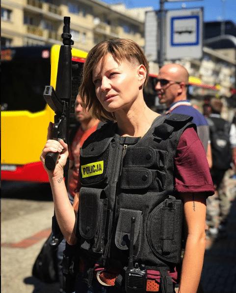 Ogolona Kożuchowska biegała z bronią po ulicy. Wyjaśniamy o co chodzi