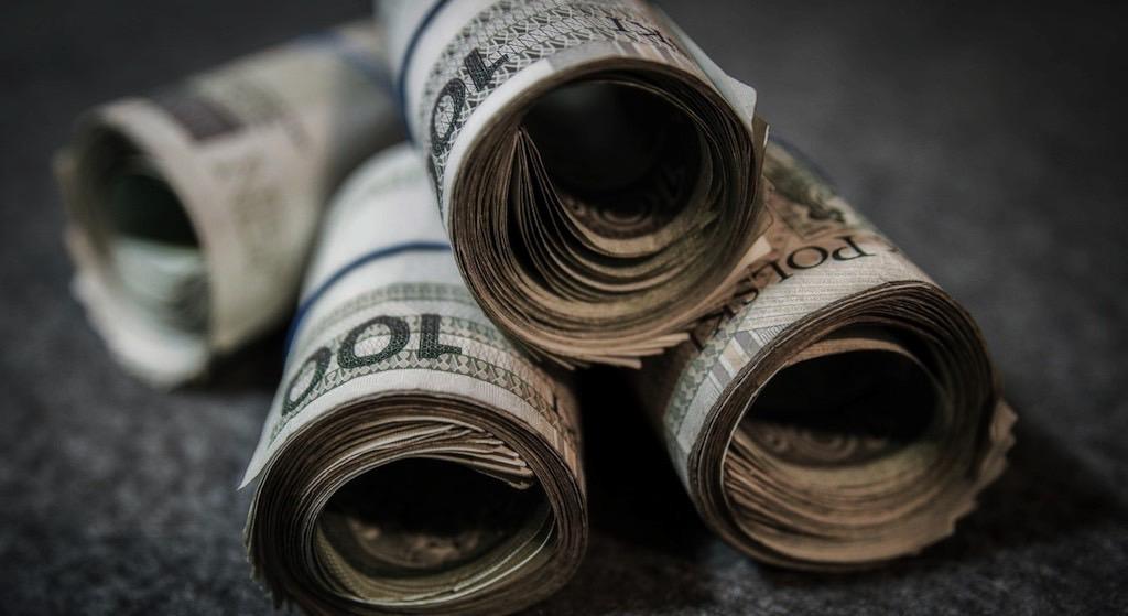 PPK to pułapka, żeby ukraść Polakom pieniądze?! Szokująca teoria