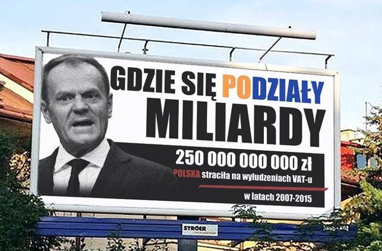 Memy z billboardami