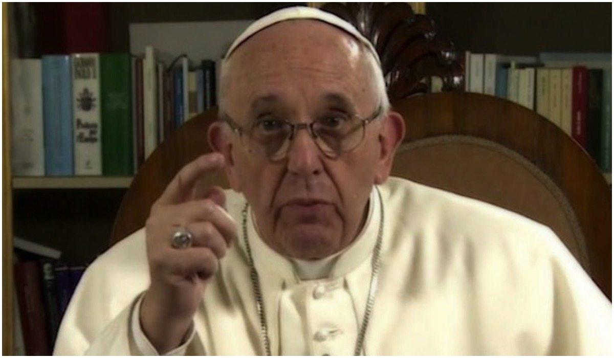 """Papież Franciszek miażdży Kościół i katolików. """"To WSTYD!"""""""