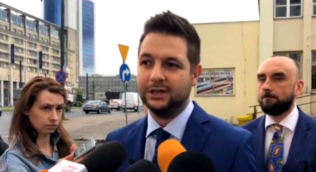 Wojna w obozie PiS! Prawica odsuwa się od poparcia Jakiego