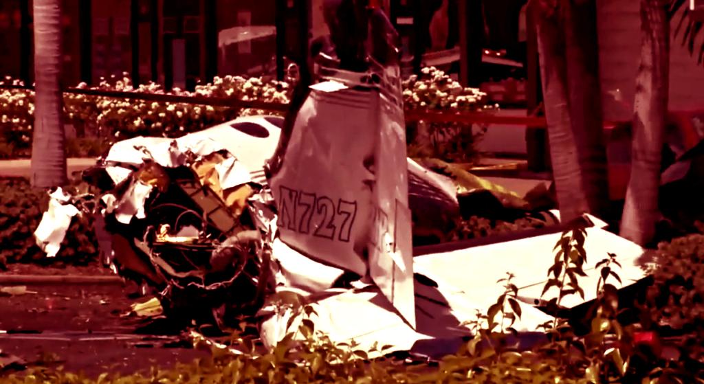 Katastrofa lotnicza. Samolot runął na parking, są ofiary śmiertelne