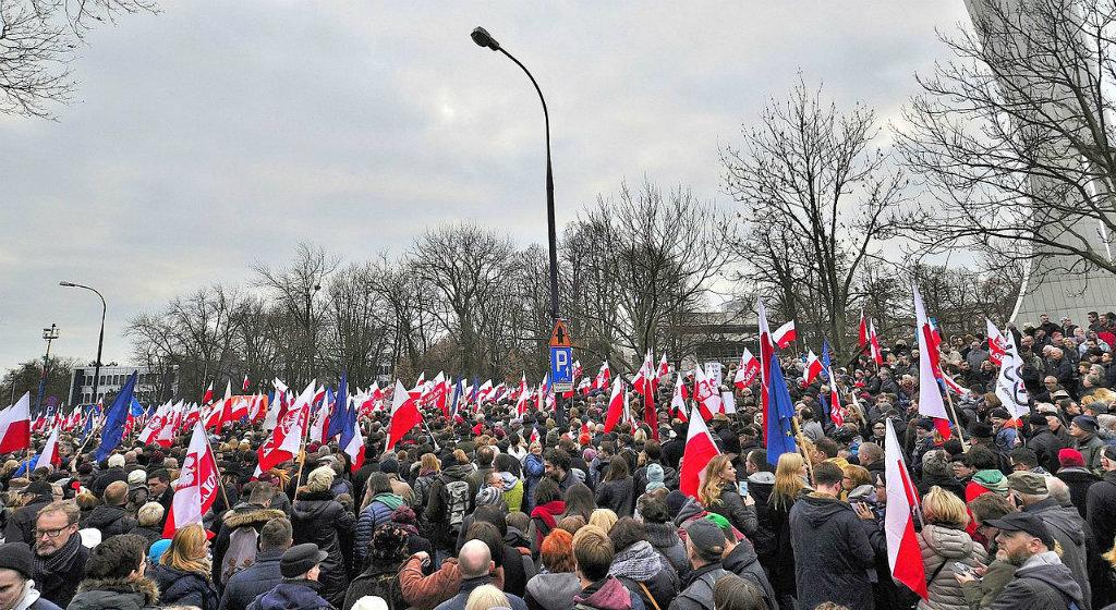 Pilecki: Polityka i młodzi. Co z nimi nie tak?