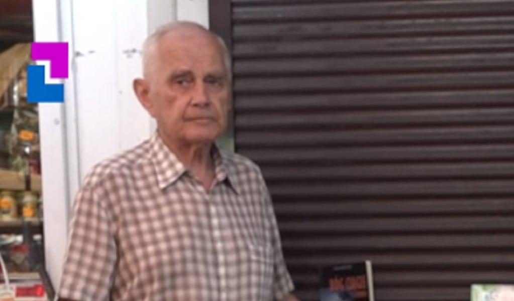 Emerytura nie starcza mu na leki. Pan Zenon sprzedaje książki, żeby pokonać raka