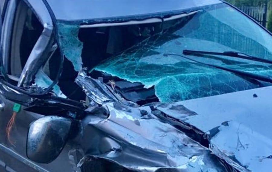 Uwielbiany polski aktor miał straszny wypadek. Z samochodu nic nie zostało!