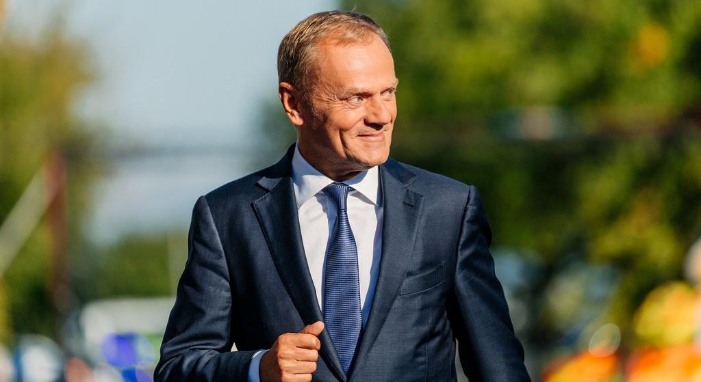 Donald Tusk pokonał Andrzeja Dudę! Ufamy mu bardziej