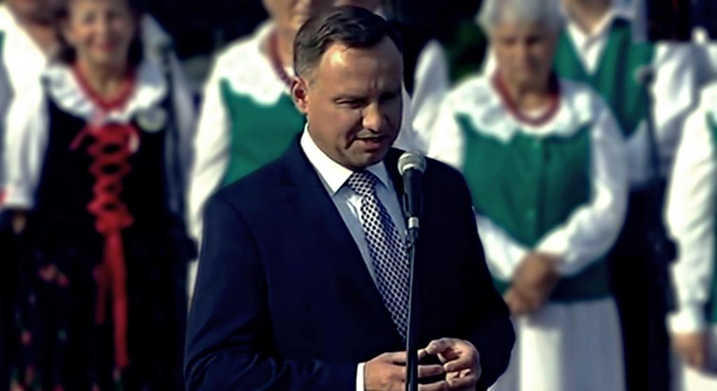 Andrzej Duda wprost okłamał Polaków. Twierdzi, że chcą wyjścia z UE