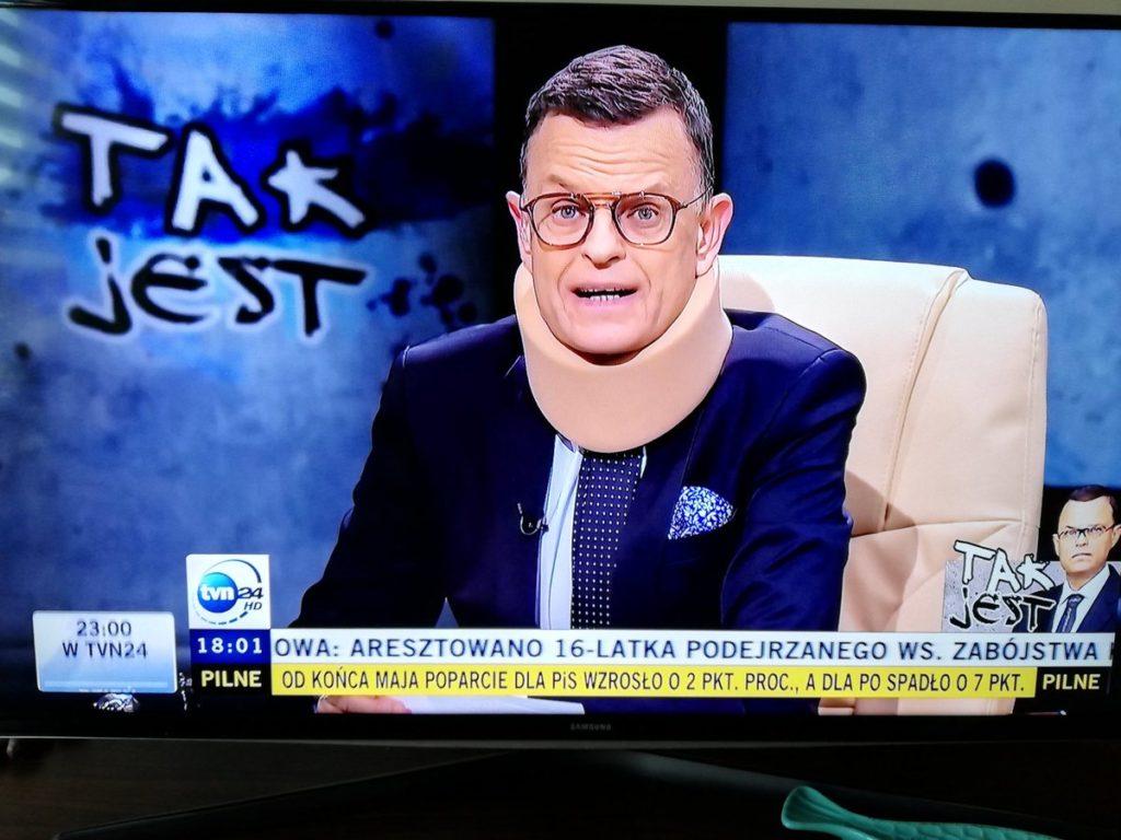 Morozowski wystąpił w kołnierzu ortopedycznym. Co się stało dziennikarzowi TVN?