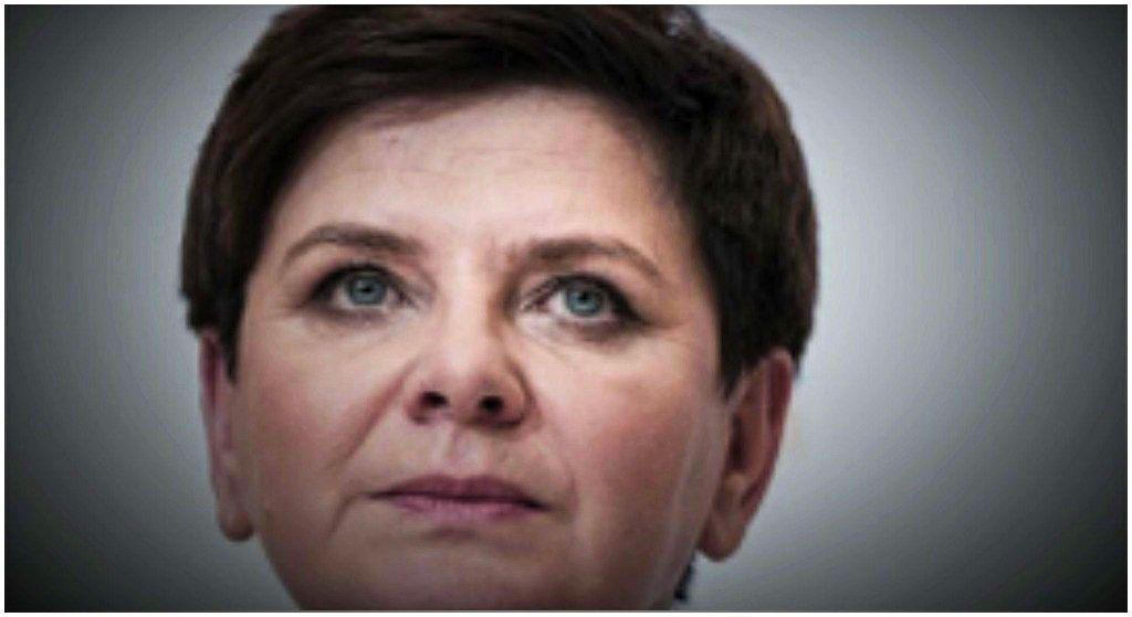 Beata Szydło odwiedziła panią Agnieszkę. Towarzyszył jej... kontrowersyjny polityk PiS