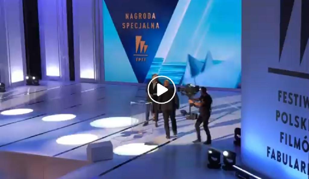 """TVP ocenzurowało transmisję na żywo! Winny """"Kler"""""""