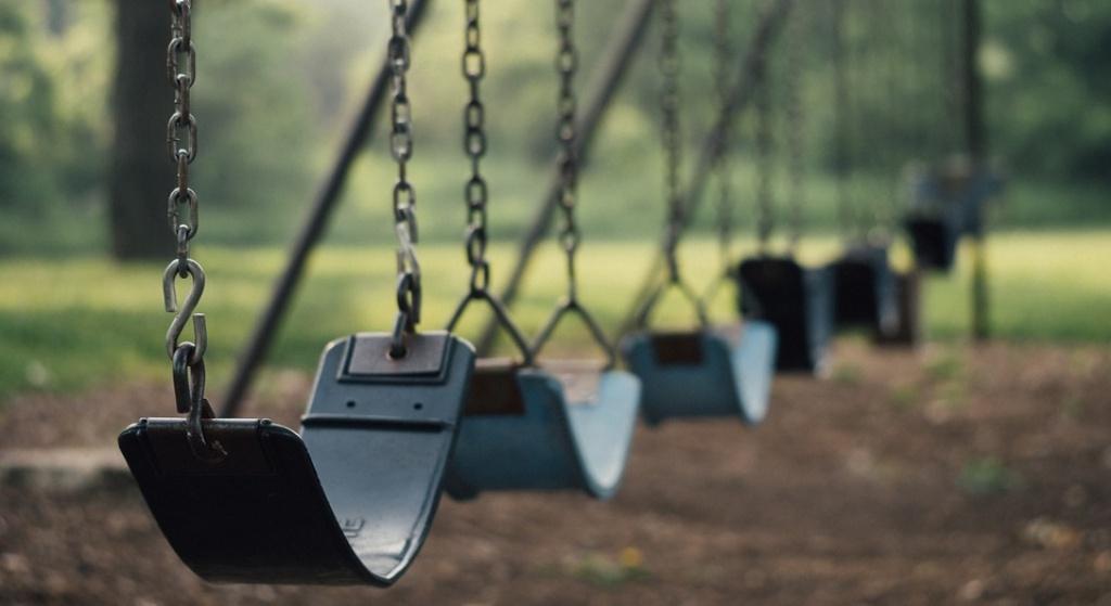 Krwawa jatka na placu zabaw. 10-latek zmasakrował 5-latka nożem